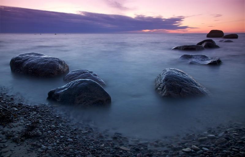 Suurupi rannas vaade kividele