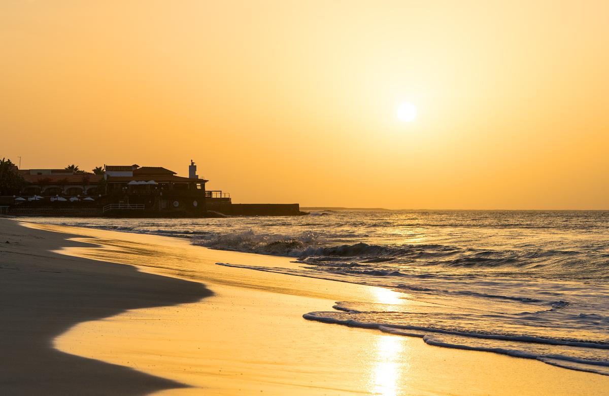 Päikesetõus Santa Maria rannal